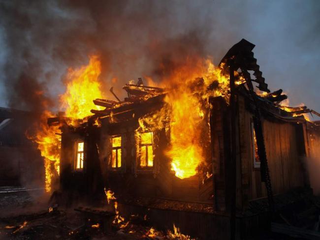 В Андижане заживо сгорела молодая девушка