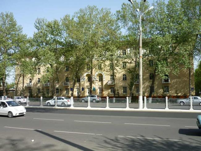В Узбекистане ликвидируют металлические ограждения
