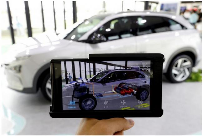 Президент ознакомился с проектом производства электромобилей совместно с «Hyundai»