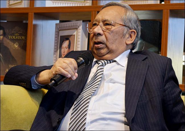 Скончался народный писатель Тохир Малик