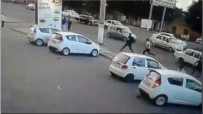 В прокуратуре дали комментарий по поводу видео с наездом водителя на пешеходов в Ташкенте