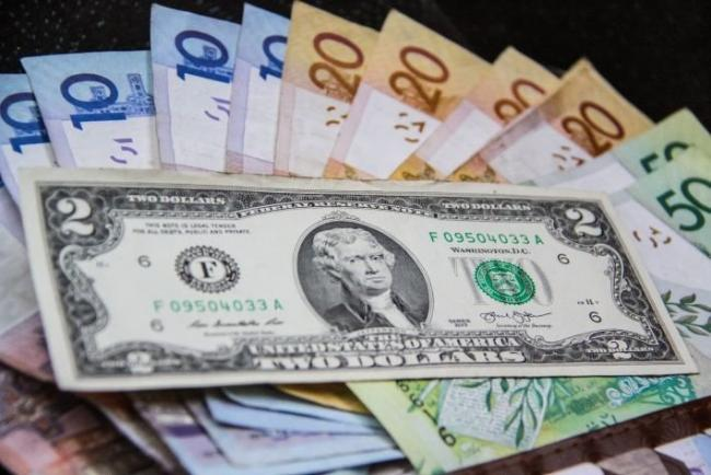 В Узбекистане доллар и евро снова подорожали