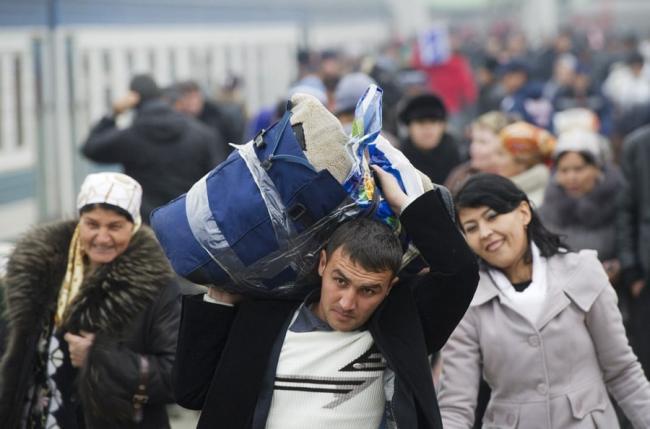 Стало известно сколько узбекистанцев отправились в Россию на заработки в первом полугодии